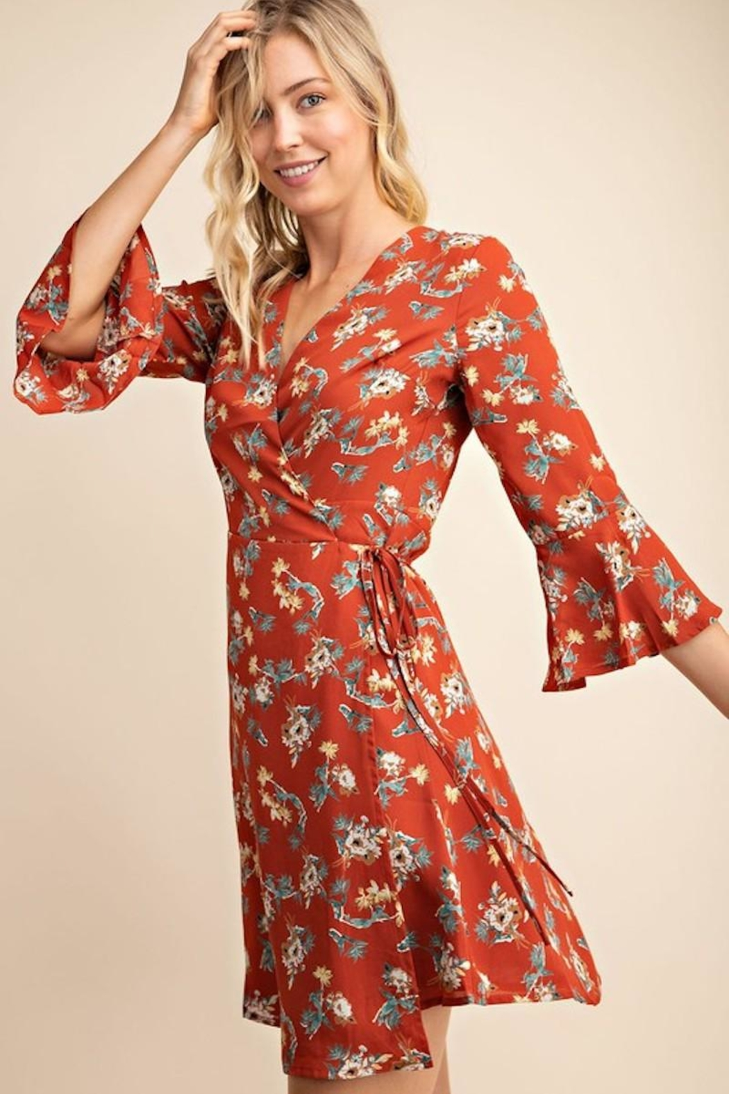 Gilli USA Rust Floral Wrap Dress - Side Cropped Image