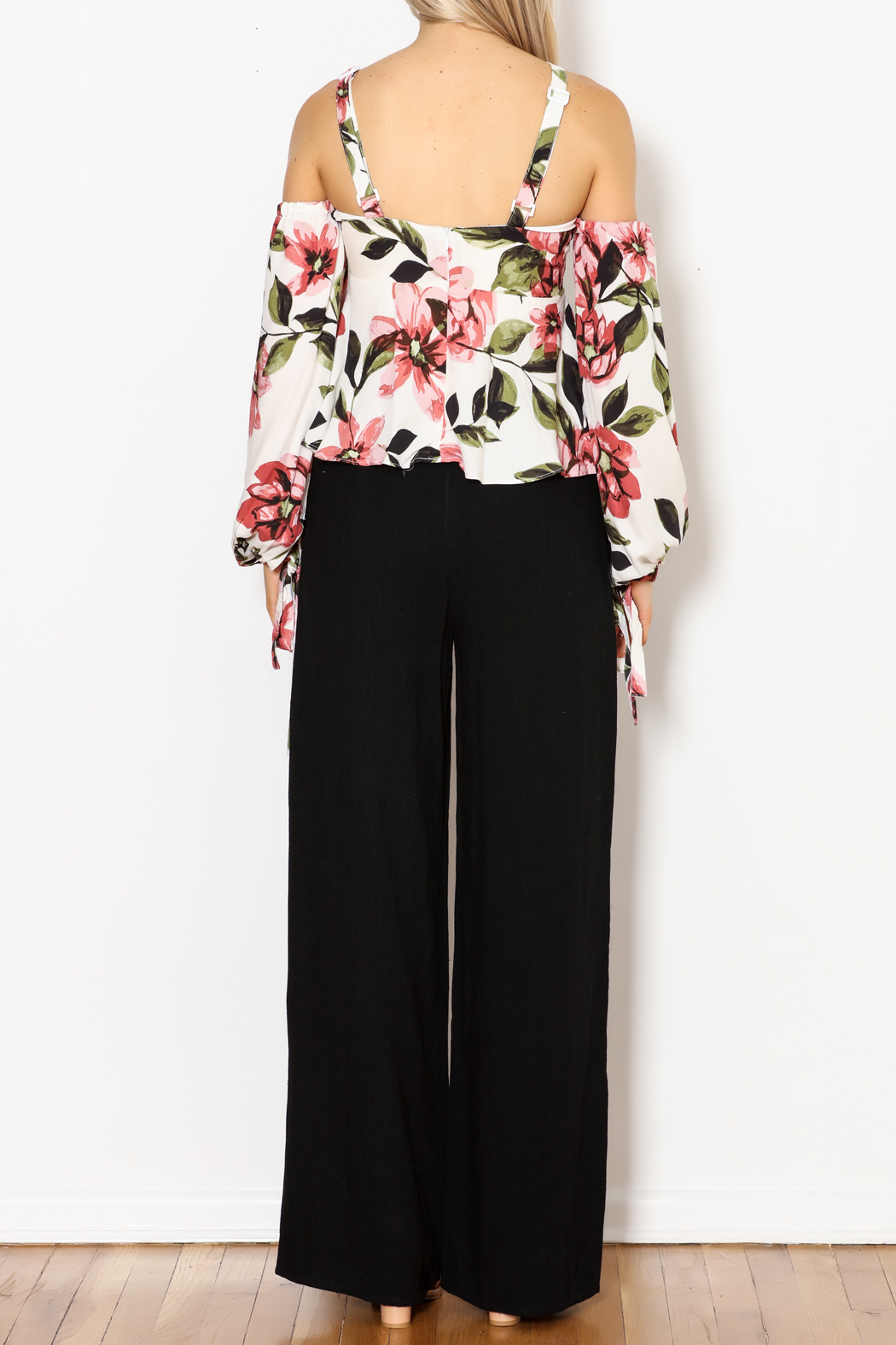 Olivaceous Gina OTS Floral Print Top - Front Full Image
