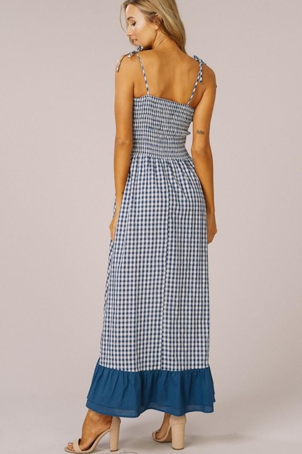 Listicle Gingham Maxi Dress - Side Cropped Image