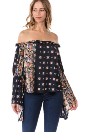 Vava by Joy Hahn Ginni Bell Sleeve Top - Product Mini Image