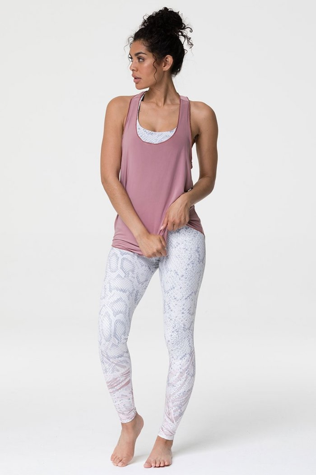 Onzie Glossy Flow Tank - Side Cropped Image