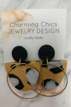 Charming Chics Gold Circ Earrings - Alternate List Image
