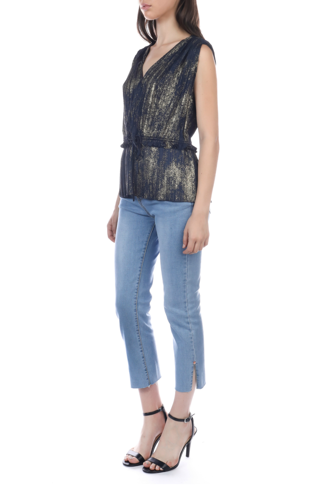 Current Air Gold foil pleated sleeveless top - Side Cropped Image