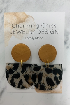 Charming Chics Gold Leopard Earrings - Alternate List Image