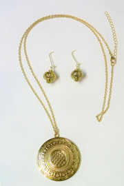 Mimi's Gift Gallery Gold Medallion Necklace Set - Front cropped