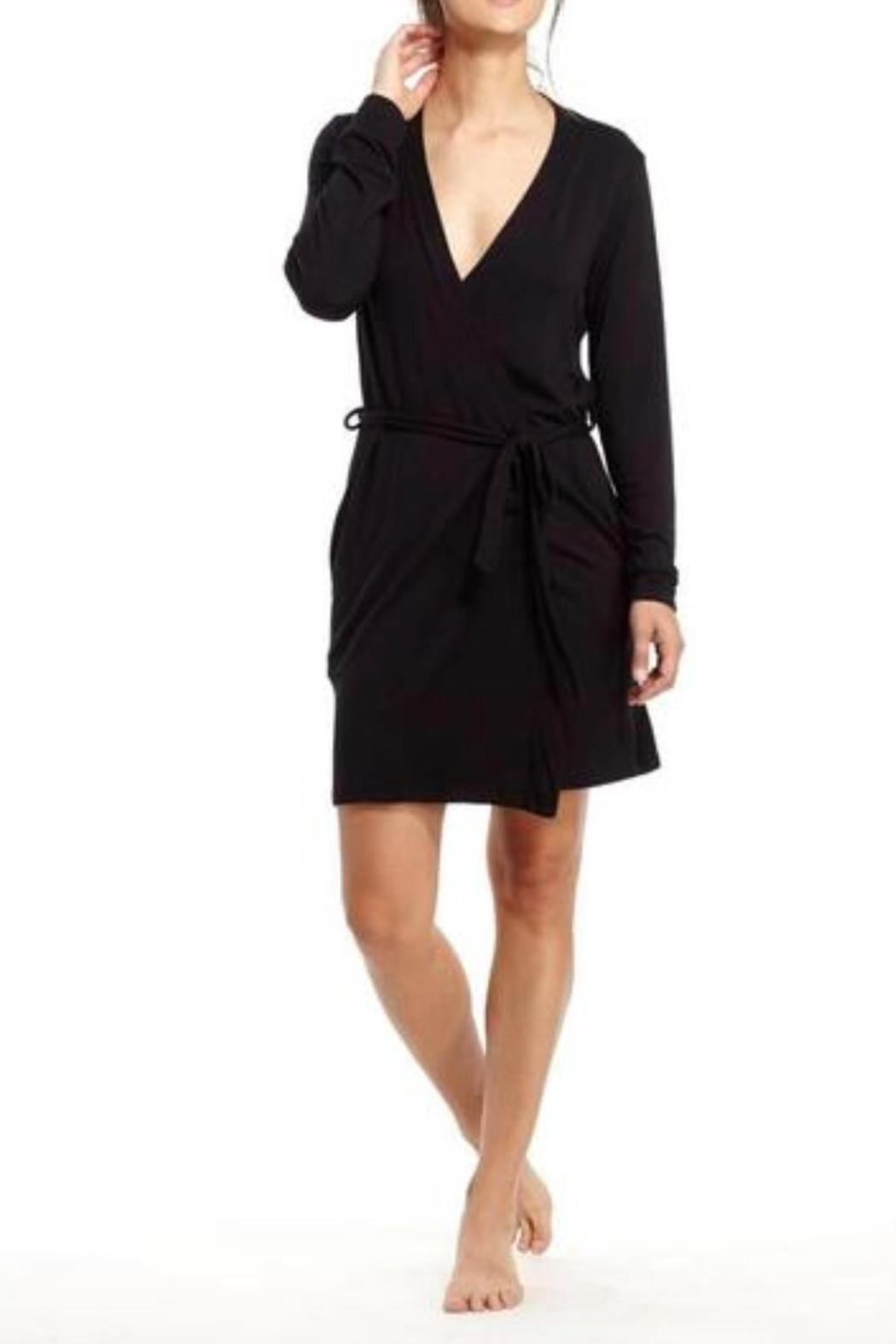 For bed, bath or casual lounging, wrap yourself in pure comfort with the Embroidered Luxury Fleece Robe in Black. This kimono style robe can be custom embroidered with a first name or single initial in a variety of thread colors and 2 font options.