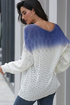 Esley Gradient Color V Neck Knit Sweater - Alternate List Image