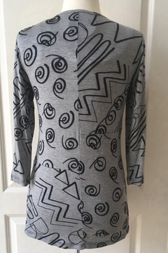 Lynn Ritchie Grey and black print tunic top with front black zipper. 3/4 sleeves. - Alternate List Image