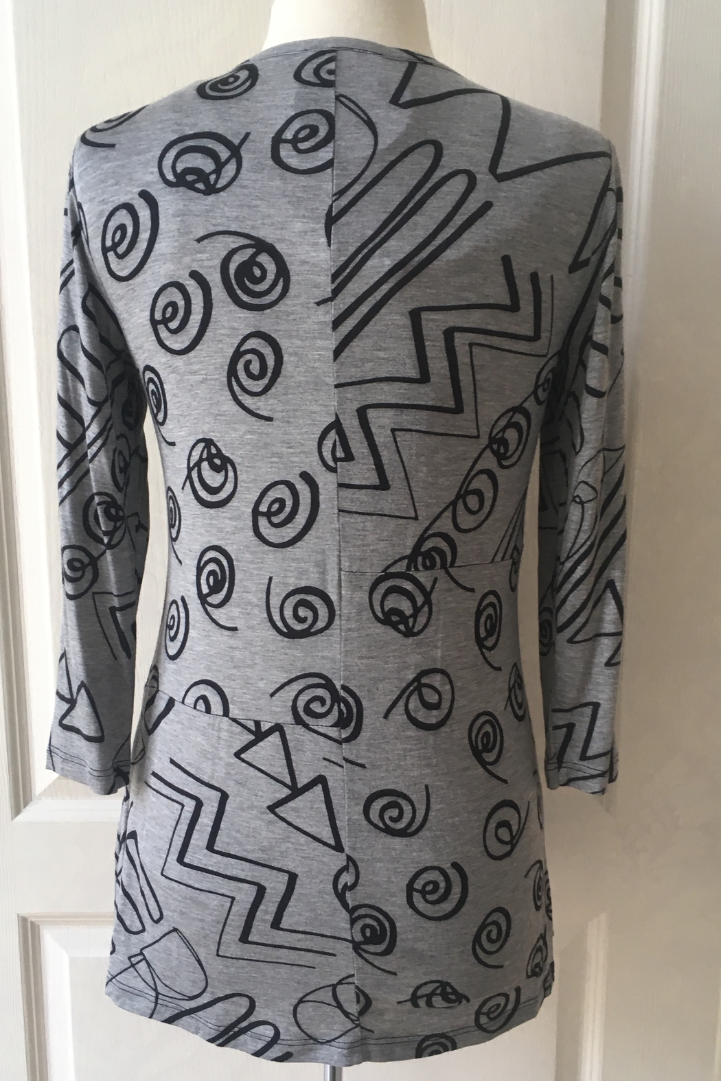Lynn Ritchie Gray and black tunic zipper down top - Front Full Image
