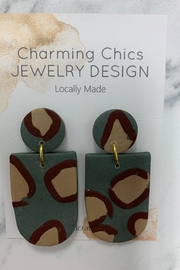 Charming Chics Green Lep Earrings - Product Mini Image