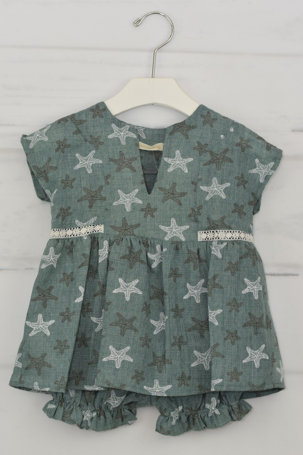 cesar blanco Green Starfish Outfit - Front Full Image