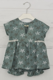 cesar blanco Green Starfish Outfit - Front full body