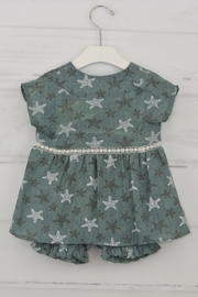 cesar blanco Green Starfish Outfit - Side cropped