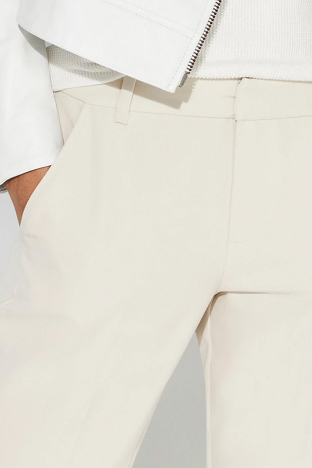 ECRU-DESIGN Grove Relaxed Trouser - Side Cropped Image