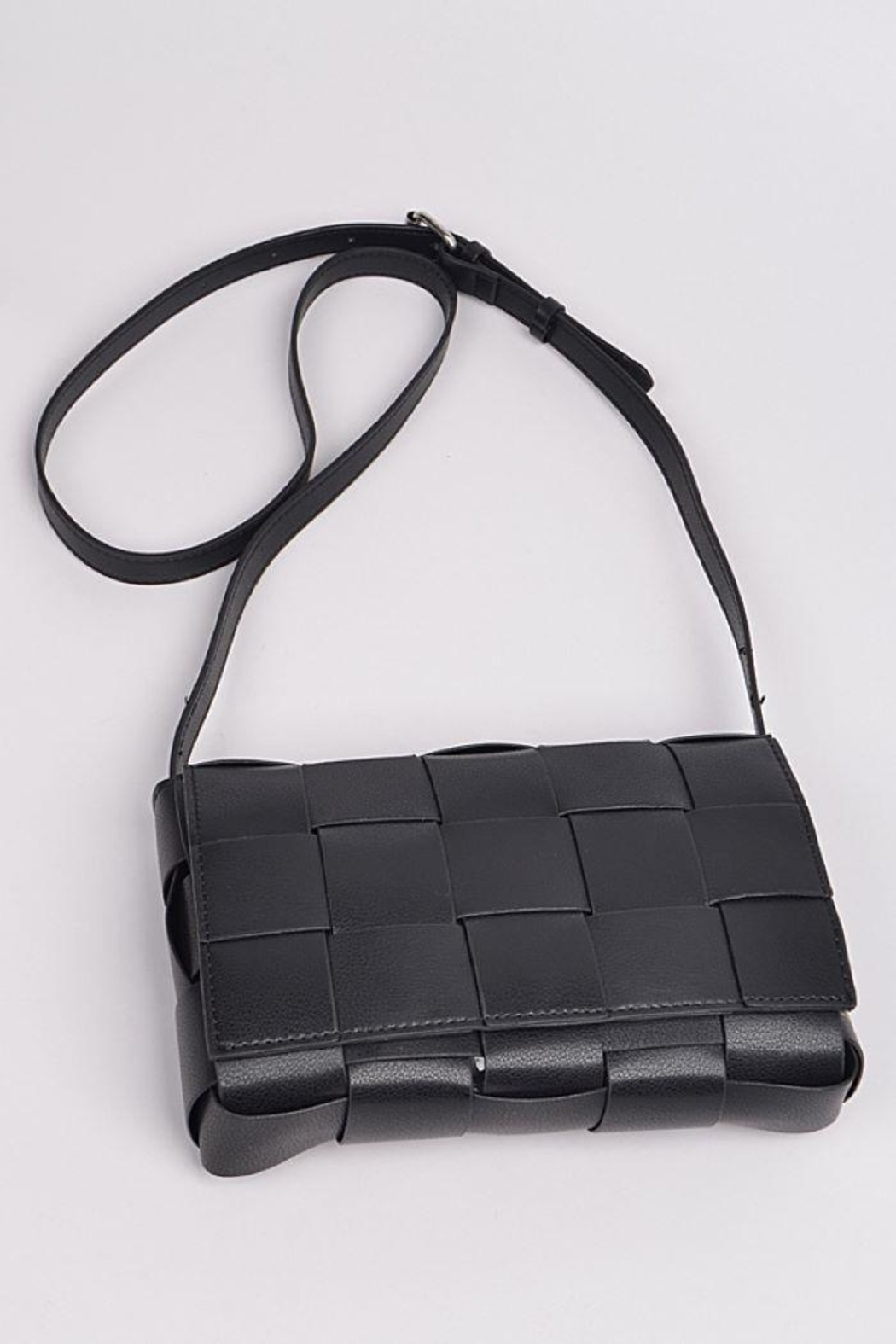 H&D Accessories Monotone Weaving Leather Clutch - Back Cropped Image