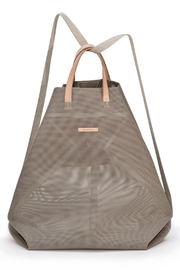 Hänska Shopper Backpack Taupe - Front cropped