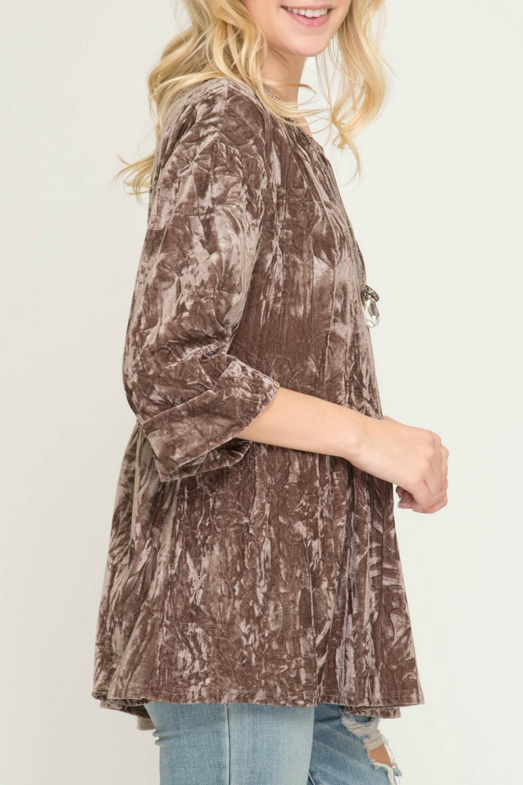 f98980f420c She + Sky Half Sleeve Crushed Velvet Tunic Top - Side Cropped Image