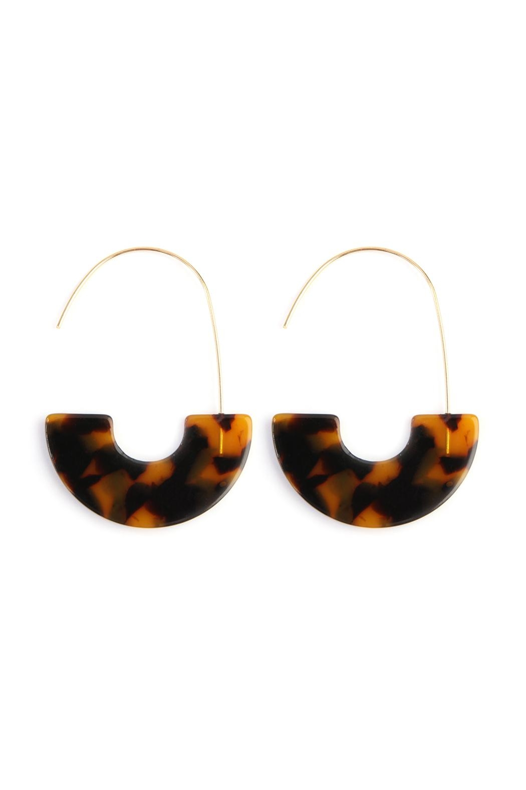 Riah Fashion Half-Tortoise-Disc Threader Earrings - Front Cropped Image