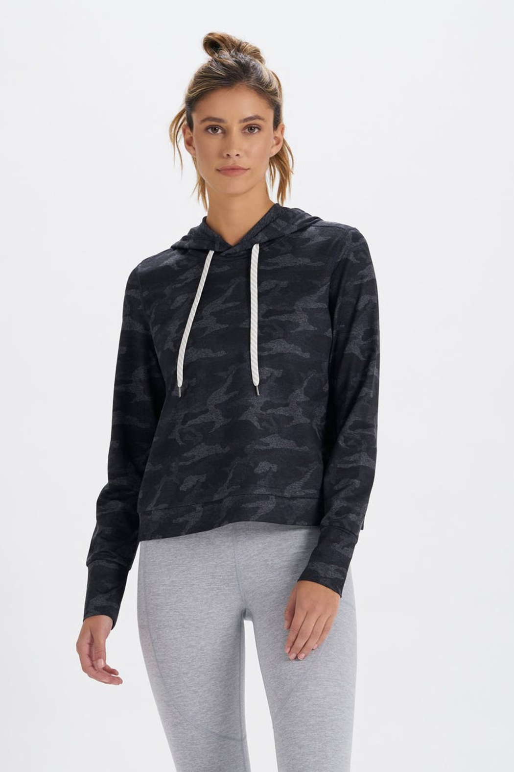 Vuori Halo Essential Hoodie - Front Cropped Image