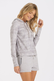 Vuori Halo Essential Hoodie - Front cropped