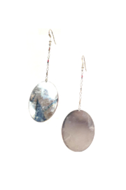 Deux Amies (Duex cuirs C&C) Hammered Disc Drop Earrings - Product Mini Image