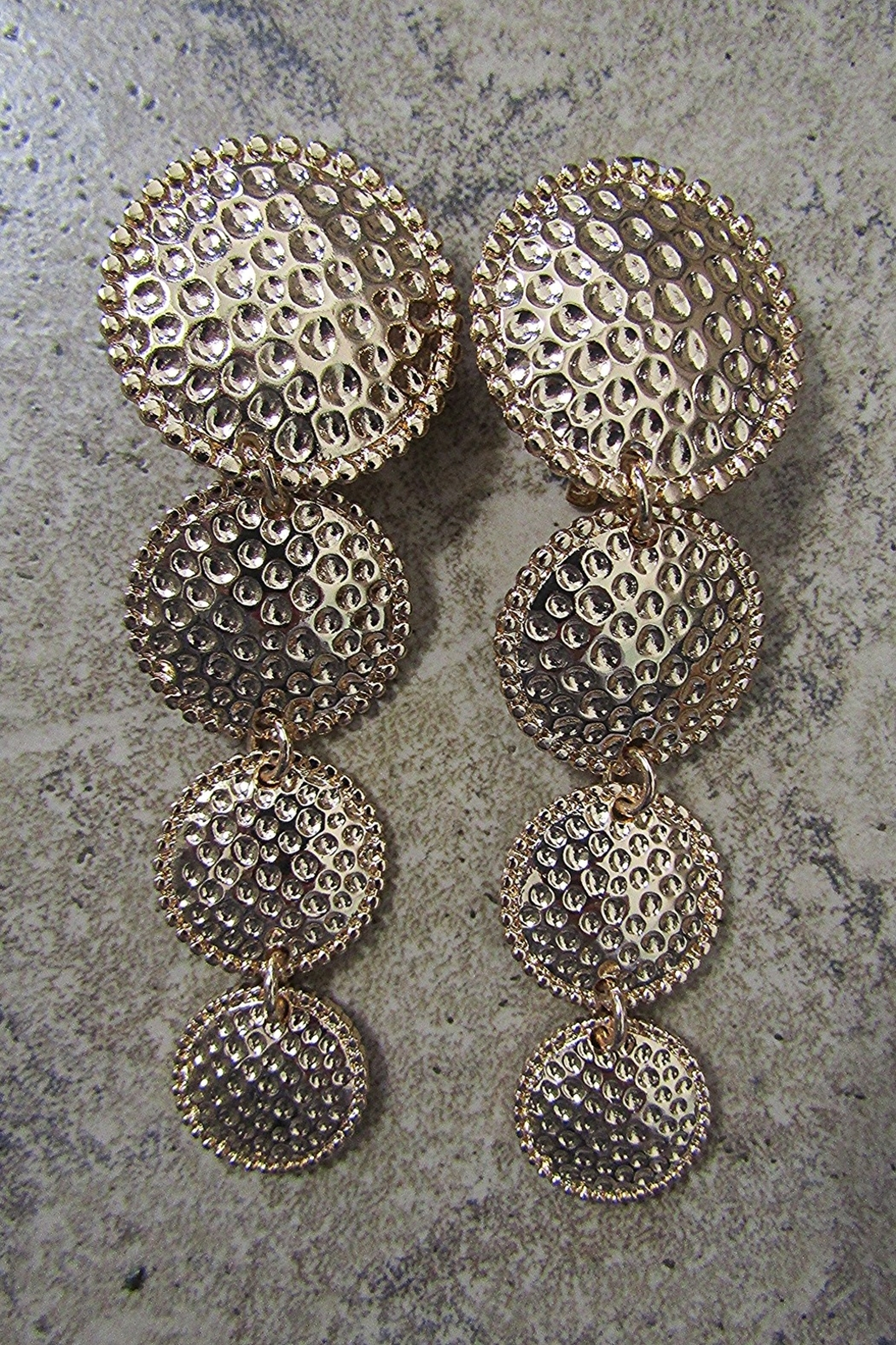 Sophia HAMMERED DISKS DROP CLIP EARRINGS - Front Cropped Image