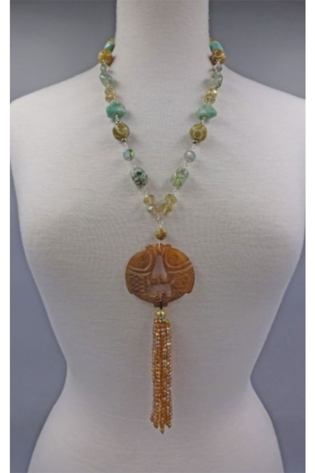 InStyle Trading CARVED JADE FISH PENDANT - Main Image