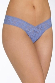 Hanky Panky Lace Lowrise Thong - Front cropped