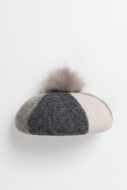 Pia Rossini HART BERET - Front cropped