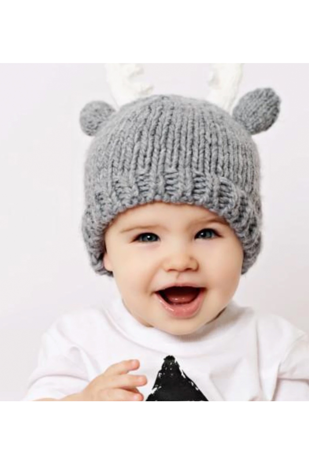 The Blueberry Hill Hartley Deer Gray Knit Hat - Side Cropped Image