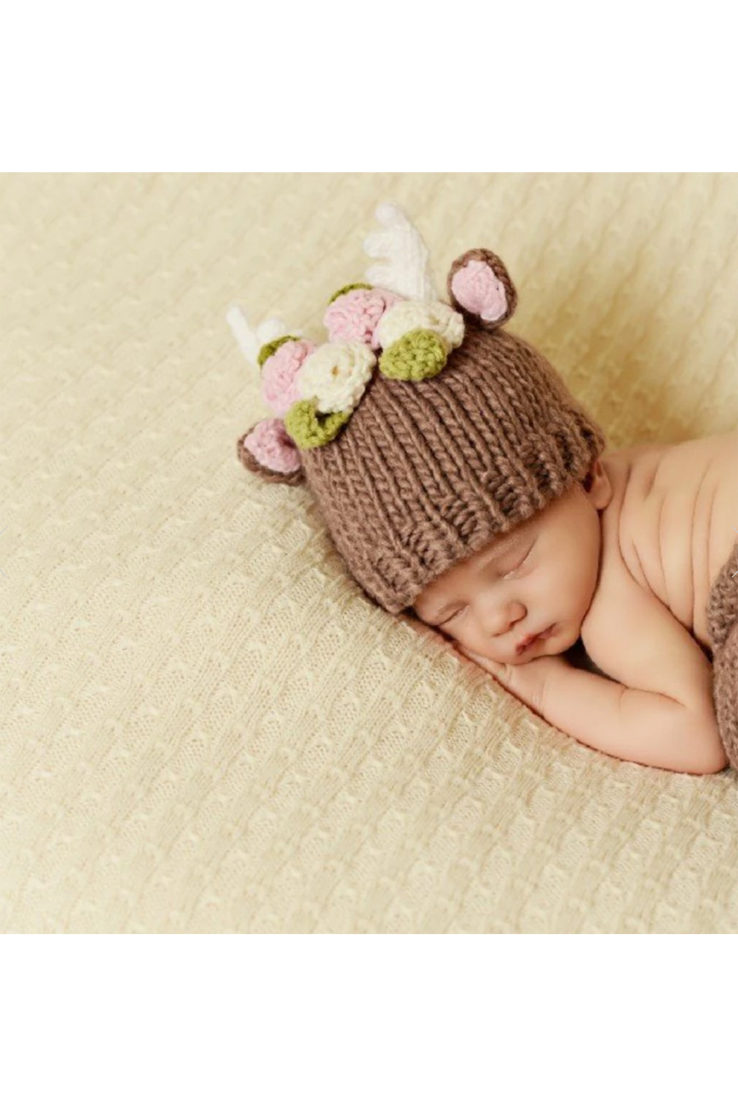 The Blueberry Hill Hartley Deer With Flowers Knit Hat - Side Cropped Image