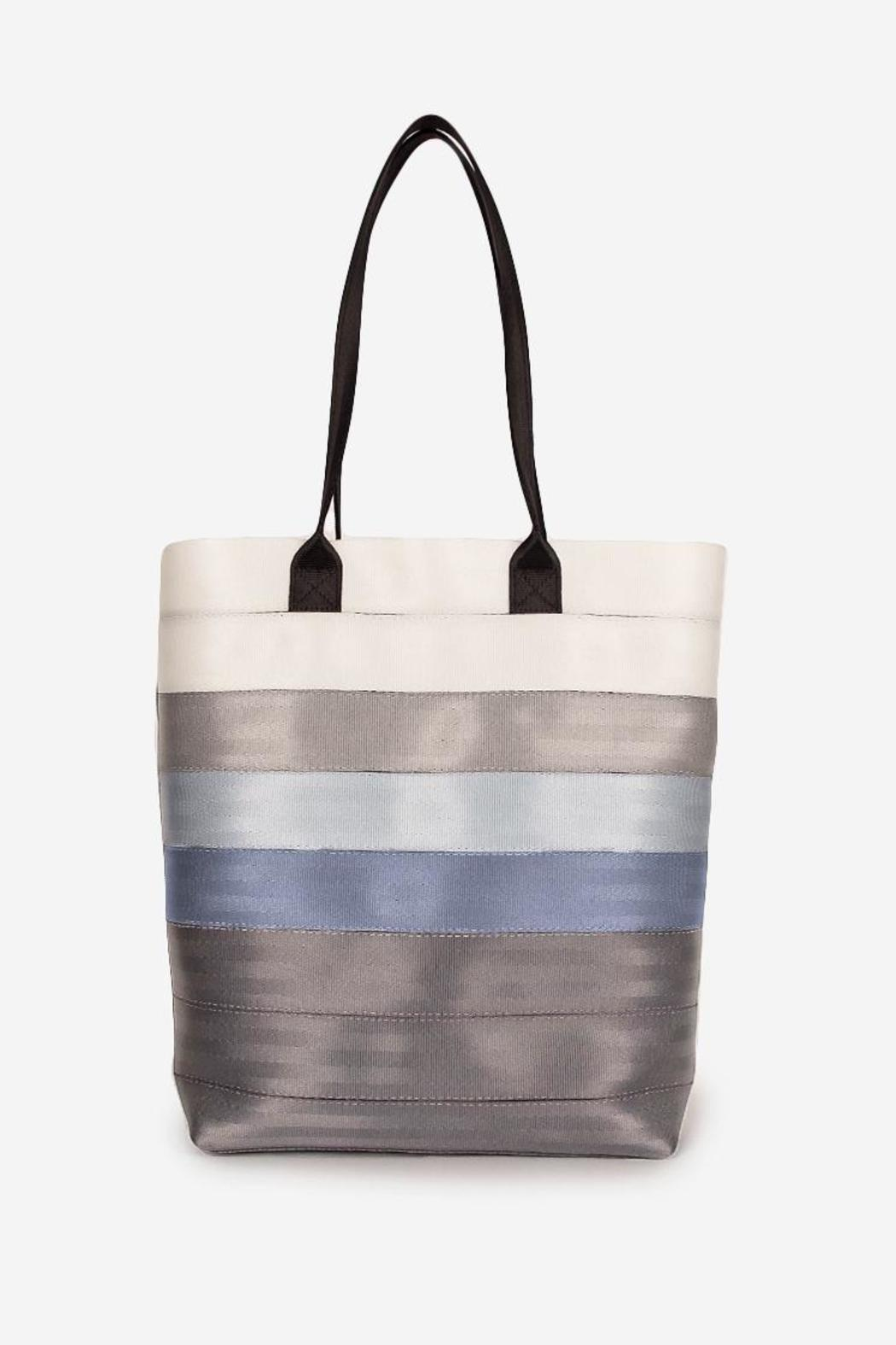 Harvey S Seatbelt Bags Resort Tote Front Cropped Image