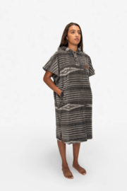 Slowtide Hayden Changing Poncho - S/M - Front cropped