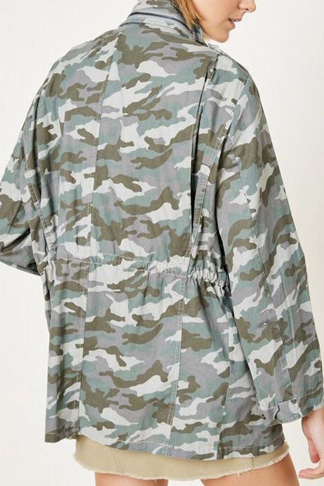 Hayden Los Angeles Cargo Camo Jacket - Side Cropped Image