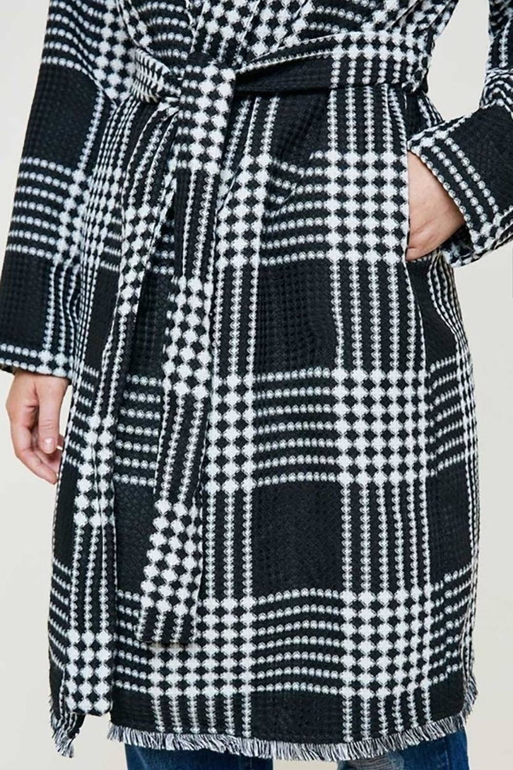 Hayden Los Angeles Plaid Knit Duster Coat - Side Cropped Image