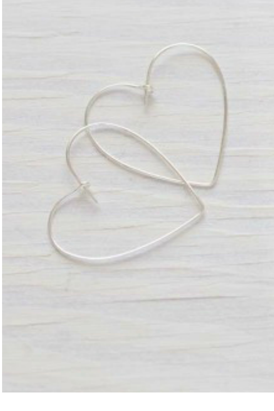 Amano Trading HEART HOOPS - Front Cropped Image