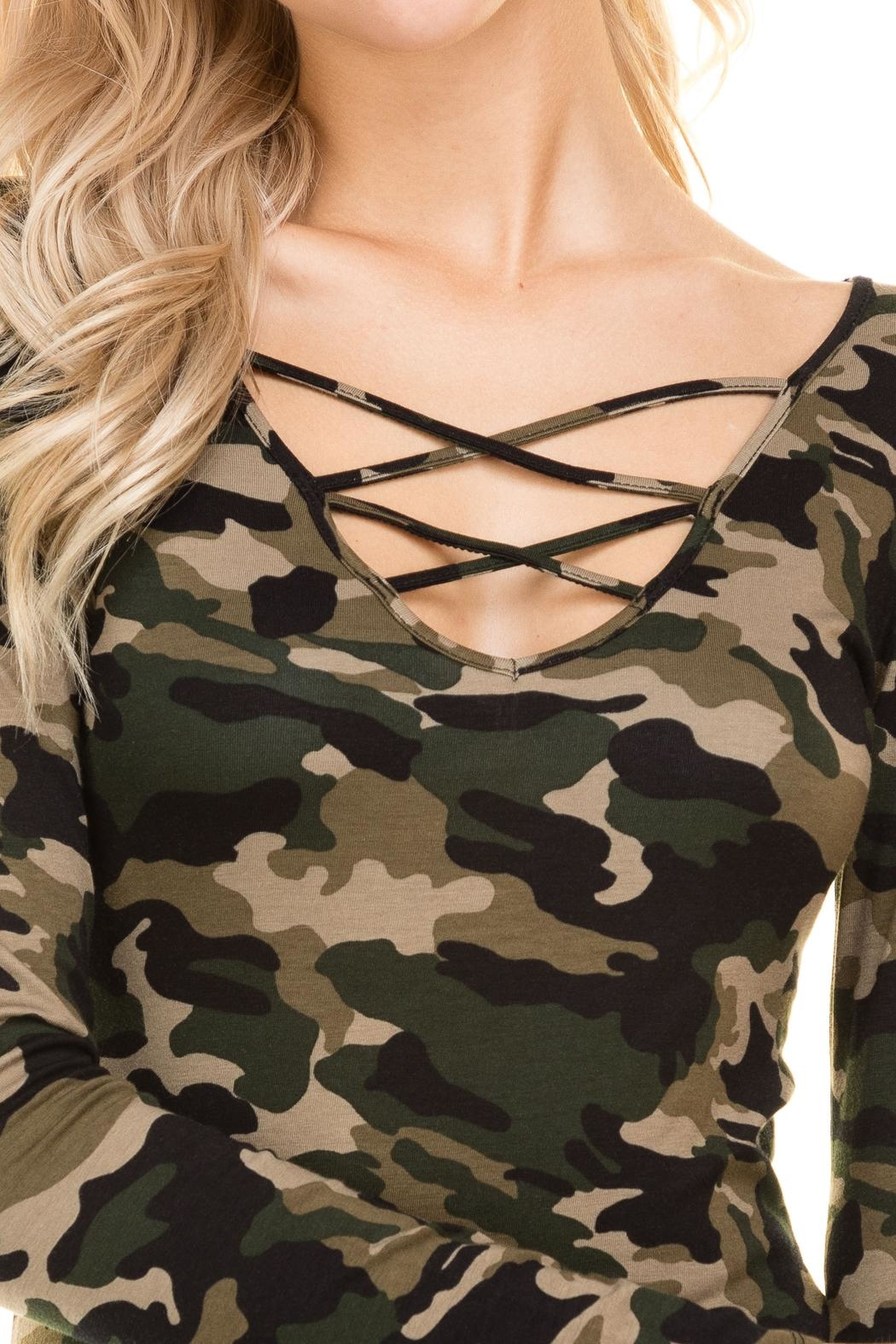 Heart and Hips CrissCross Camouflage Top - Side Cropped Image
