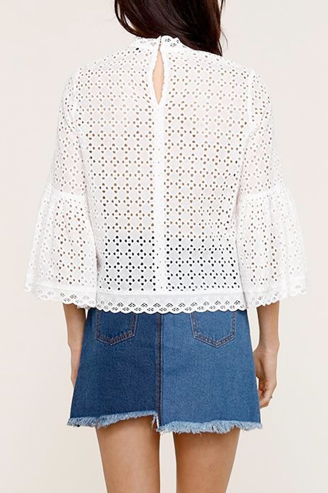 Heartloom Elis Eyelet Top - Side Cropped Image