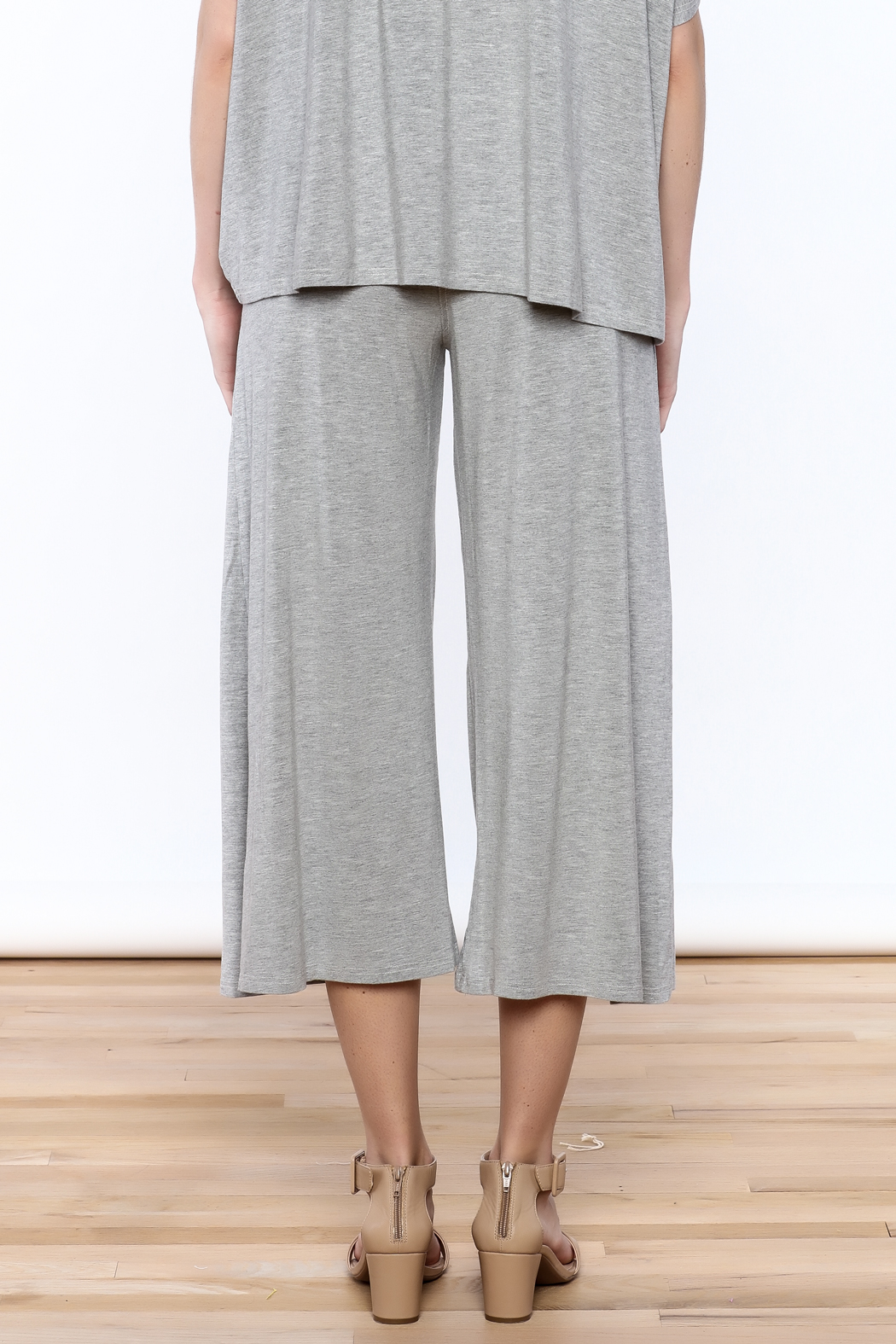 Heartstring Grey Banded Crop Pant - Back Cropped Image