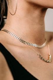 Sarah Briggs Heath Fishtail Necklace - Front cropped