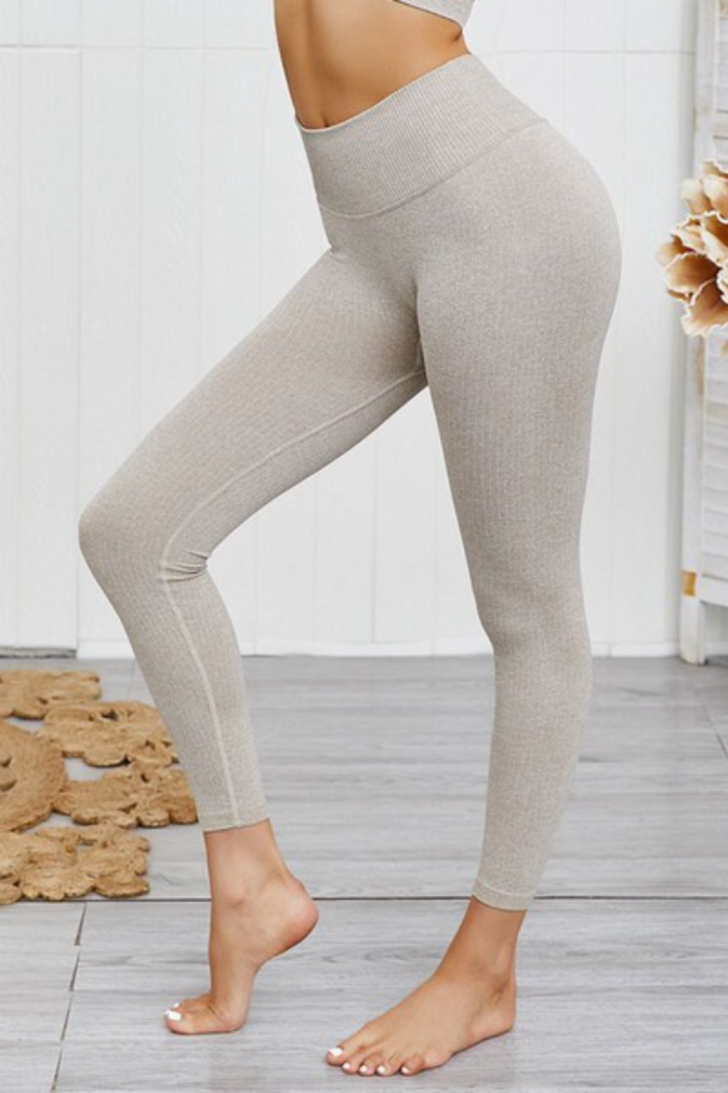 THE FREE YOGA Heathered Oatmeal Leggings - Side Cropped Image
