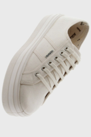 Victoria Helene  Sneaker - Front cropped