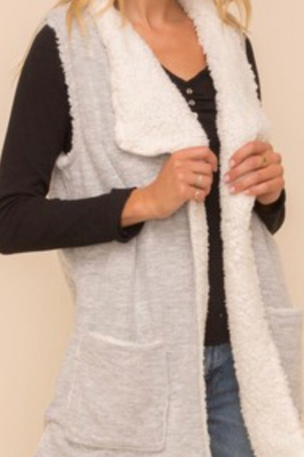 Hem and Thread TN  Sherpa Vest - Front Cropped Image