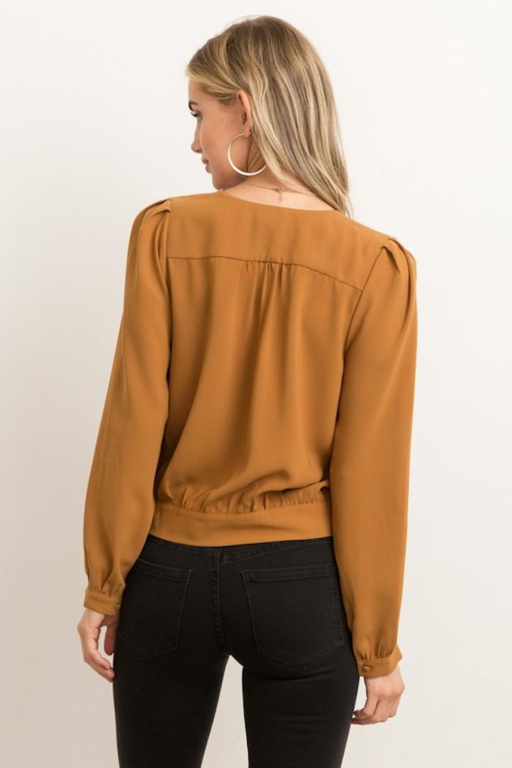 Hem & Thread Game Changer Top - Back Cropped Image