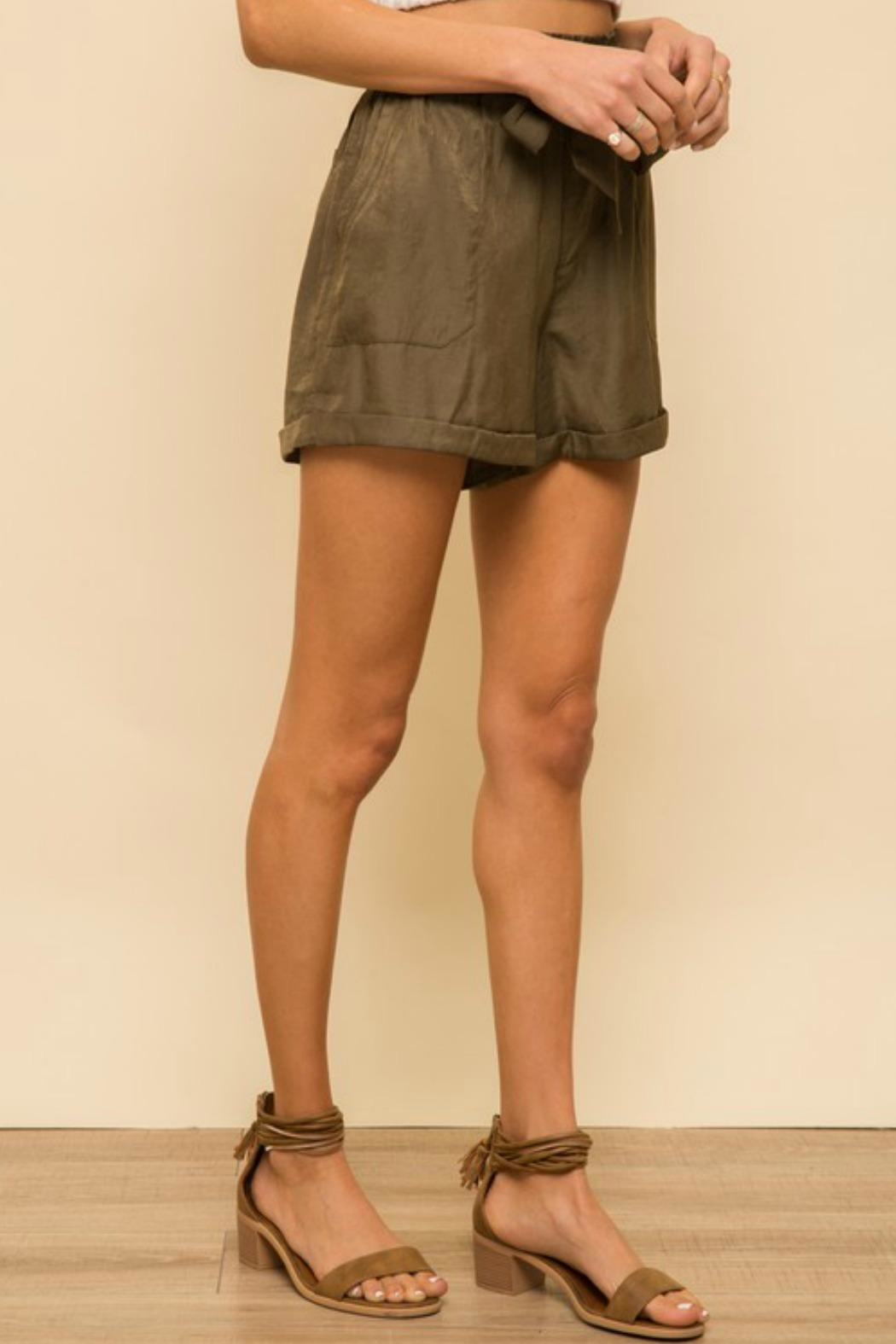 Hem & Thread Jonelle Soft-Satin Shorts - Side Cropped Image
