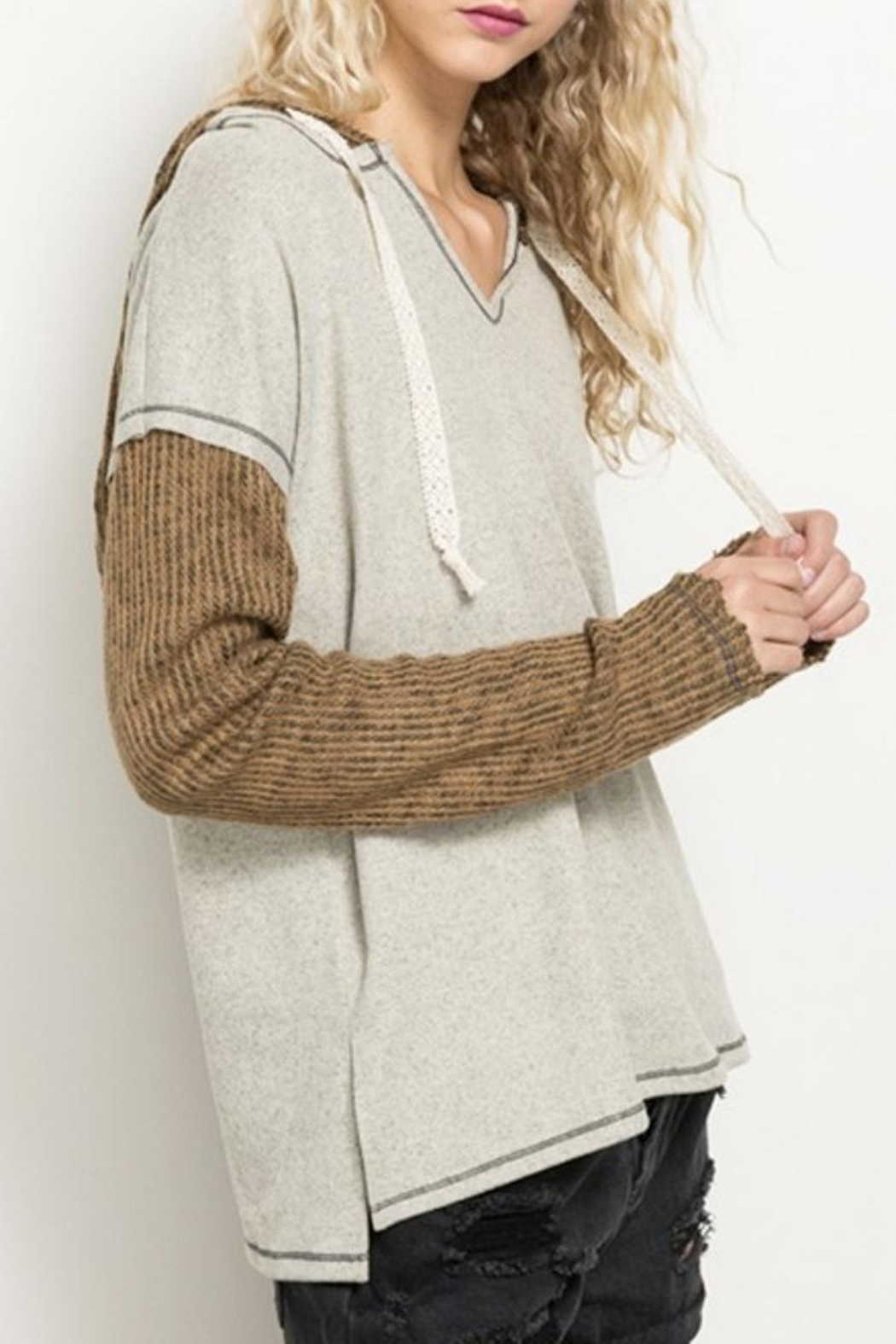 Hem & Thread Loose Fit Pullover - Side Cropped Image