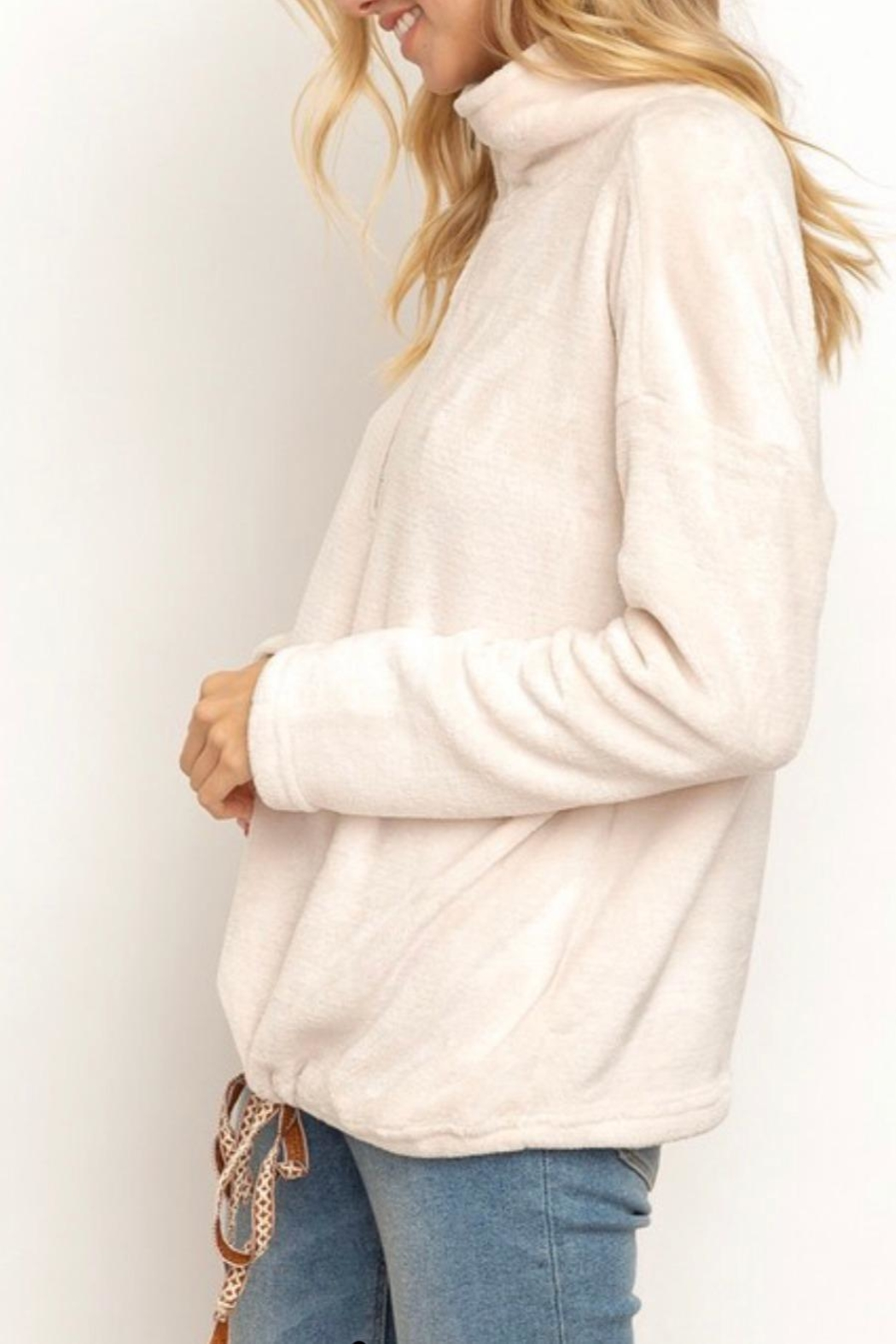 Hem & Thread Soft Plush Pullover - Side Cropped Image