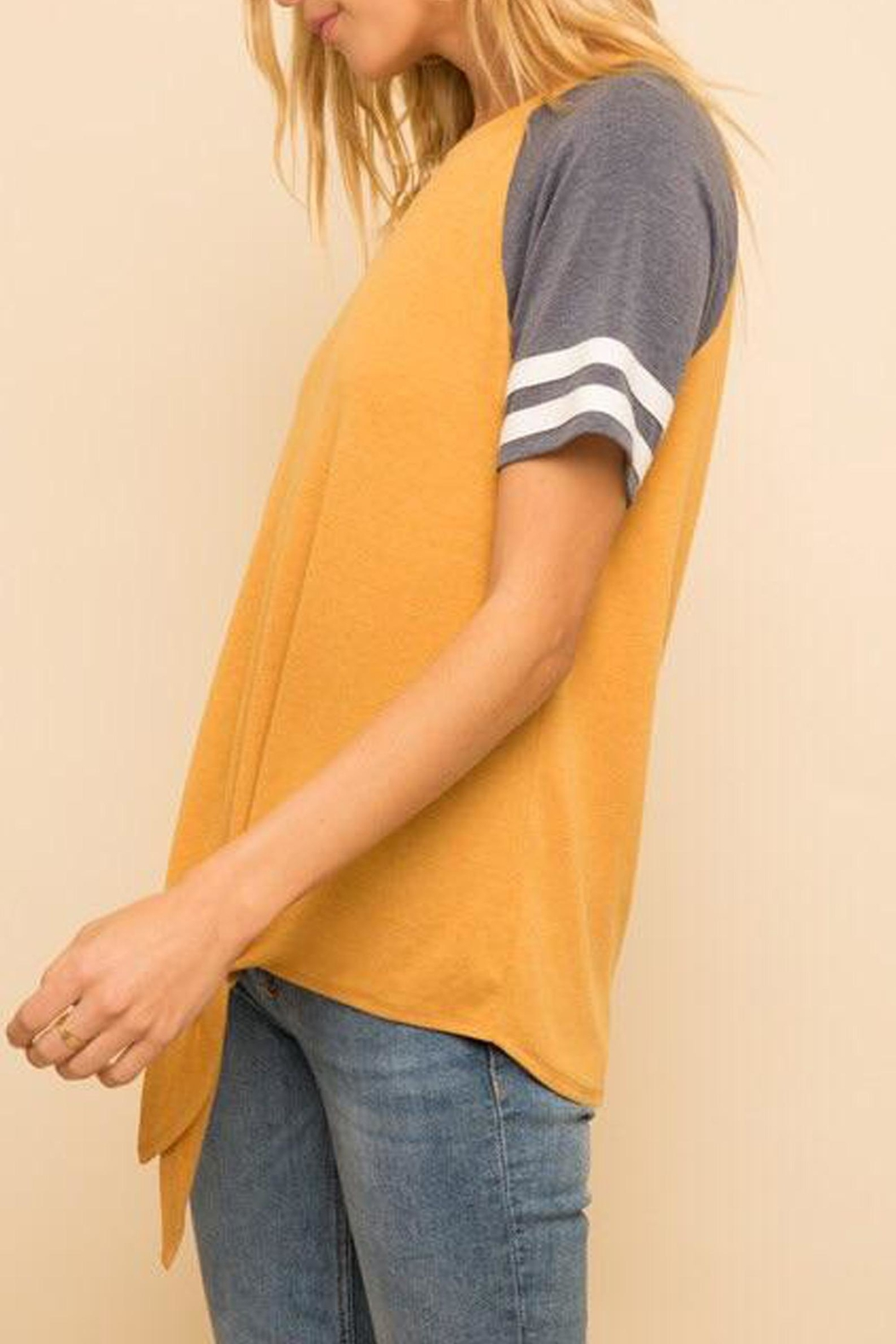 Hem & Thread Tie Front Tee - Side Cropped Image
