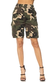 Hera Cargo Camo Shorts - Front cropped