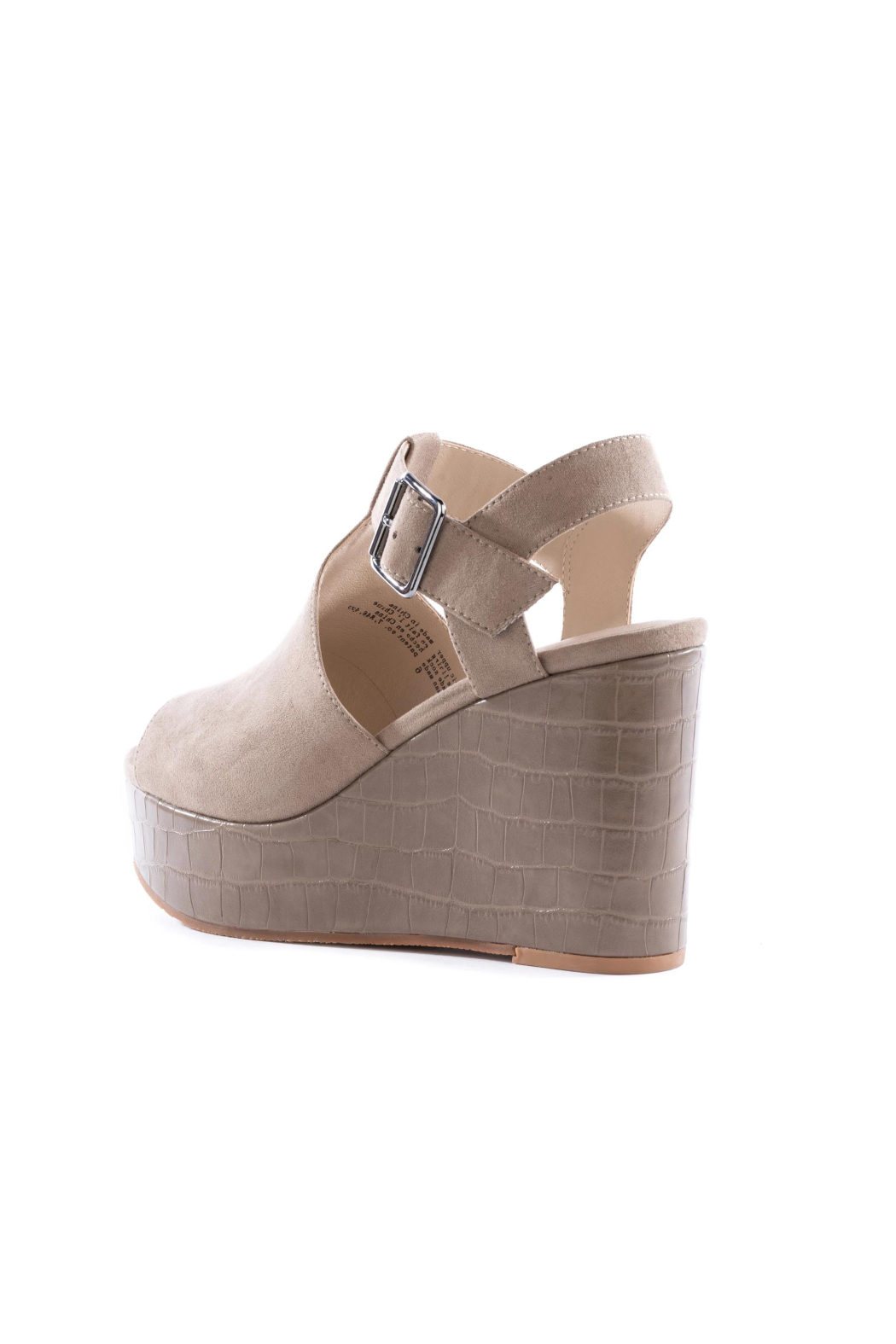 BC Footwear Here We Go Wedge - Side Cropped Image